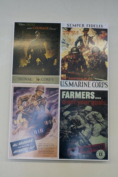 К выставке американское посольство предоставило несколько плакатов военного времени.
