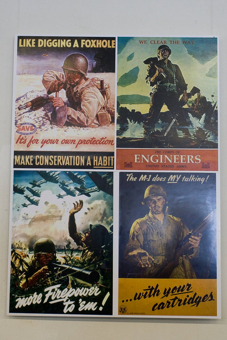 Американские плакаты