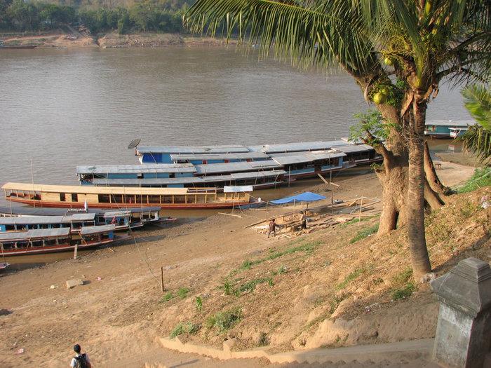 лодки на которых плавут из Хуасая