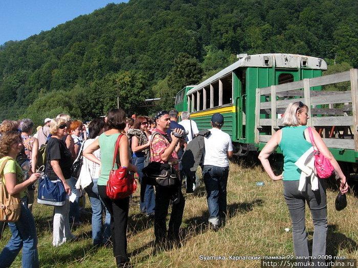 Все желавшие прокатиться на трамвае получили свои билеты...