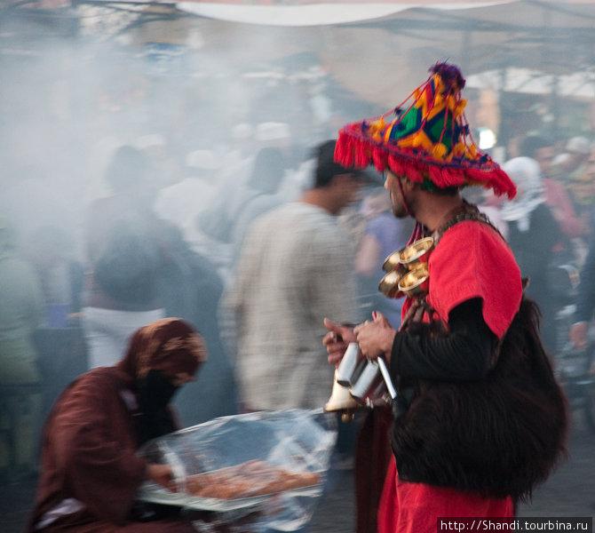 На рыночной площади Марракеша