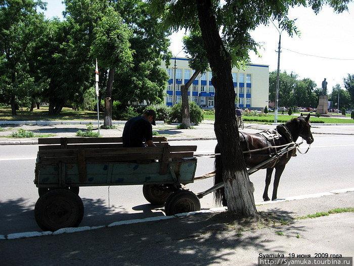 Улица Ленина. Перед мэрией.