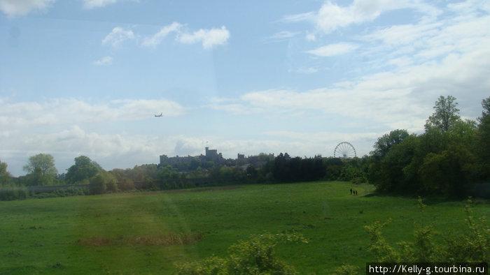 Английские поля и замок вдалеке