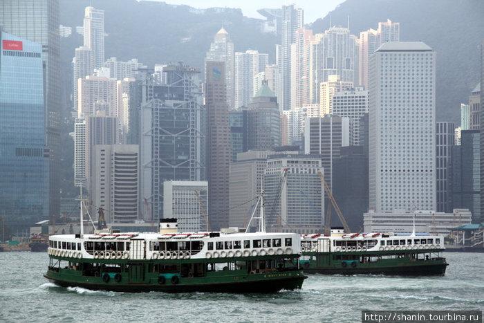 Паромы идут в Гонконг