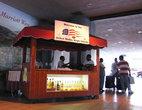 Фото 3. Аэропорт острова Ст.Томас. Бесплатные дринки для вновь прибывших. Настоящее гостеприимство!