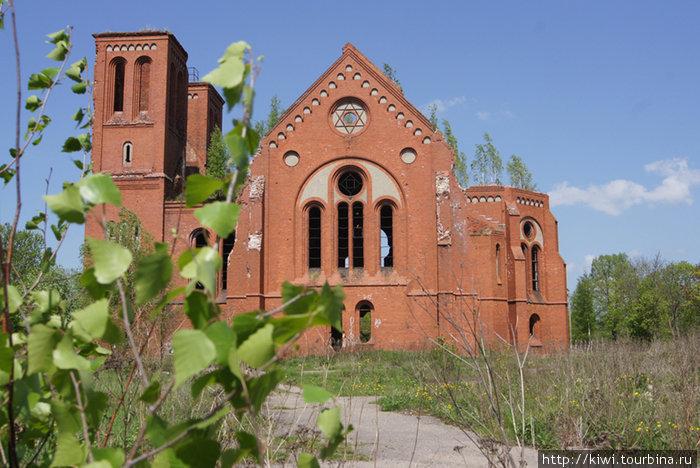 Разрушенная церковь в Чернышевском-Эйдкунене