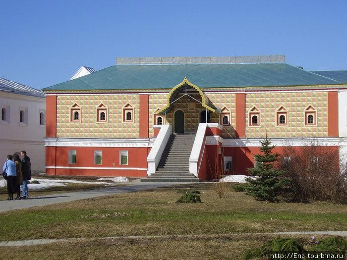 Ипатьевский монастырь. Палаты бояр Романовых