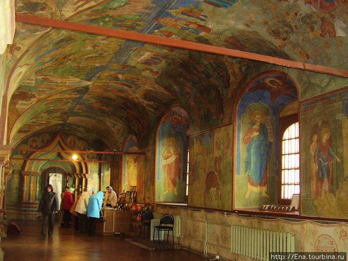 Ипатьевский монастырь. В Троицком соборе