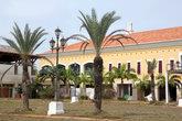 Дом в колониальном стиле на берегу моря