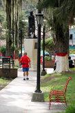 Дорожка к памятнику Боливару