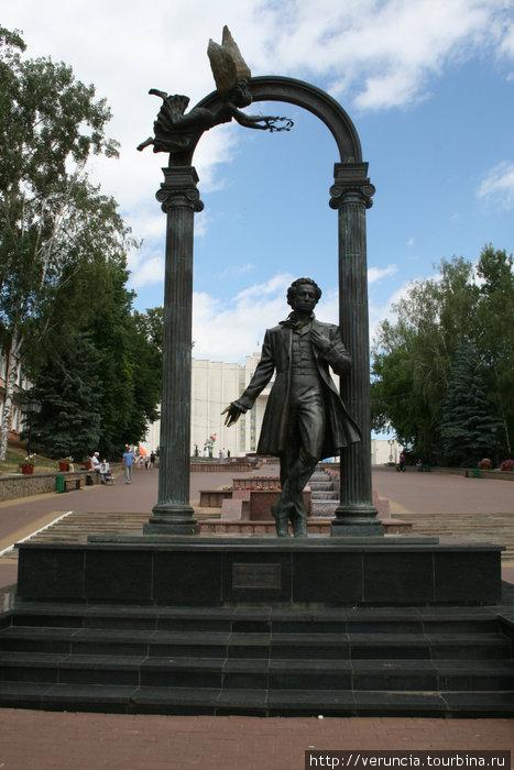 Памятник Пушкину на Моско
