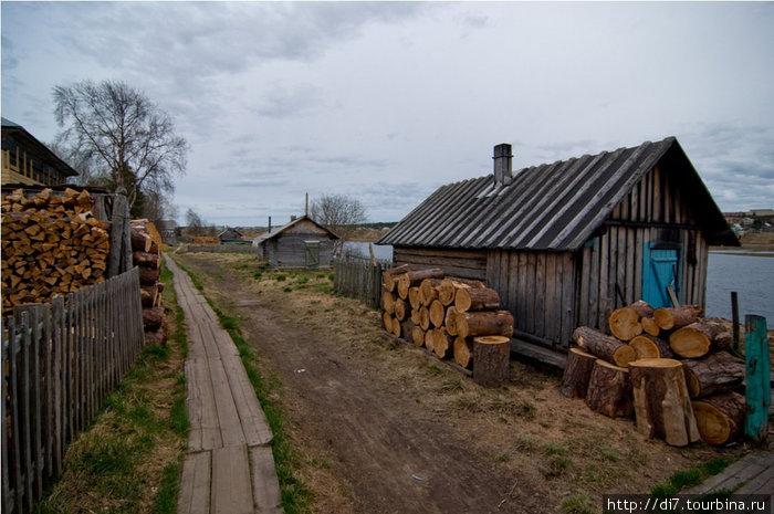 Деревенские улицы Варзуги