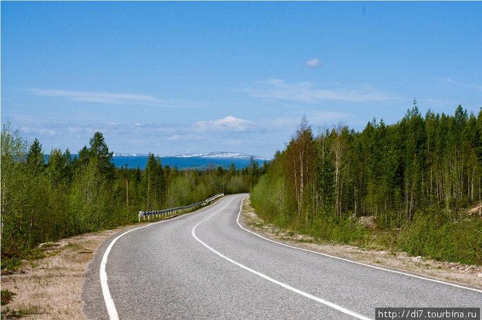 Дорога на Кандалакшу красива и пустынна