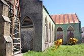 Закрытая на ремонт церковь