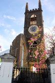 Церковь с часами