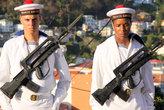Два моряка с винтовками