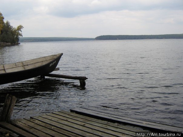стоянка лодок в микрорайоне