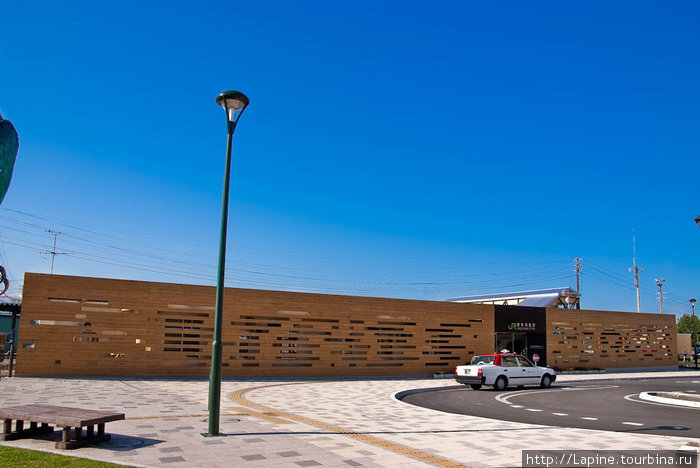 Здание железнодорожной станции в Шари
