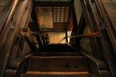 По лестницам в замке страшно спускаться.