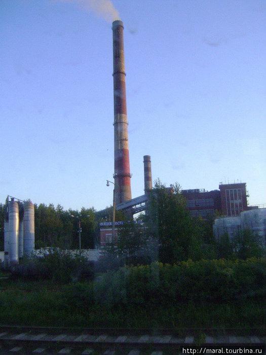 Северодвинская ТЭЦ-1 мощностью около 190 МВт, работающая на каменном угле, является одним из двух (ТЭЦ-2 мощностью 410 МВт работает на дорогом мазуте) истопников Северодвинска в студённую зимнюю пору