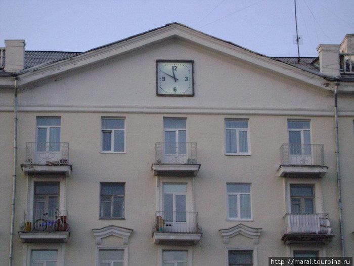 На часах точное время зах