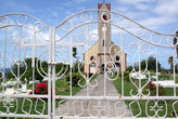 Церковь за решеткой