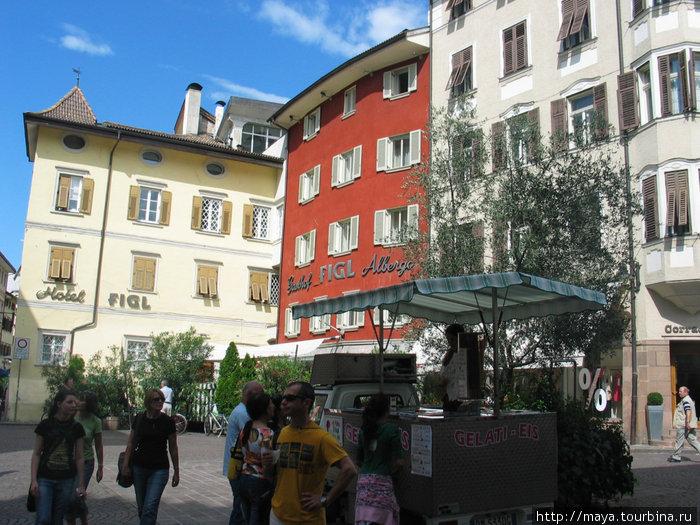 мороженное в простом киоске на площади оказалось самым вкусным из всех, что мы ели в Италии.