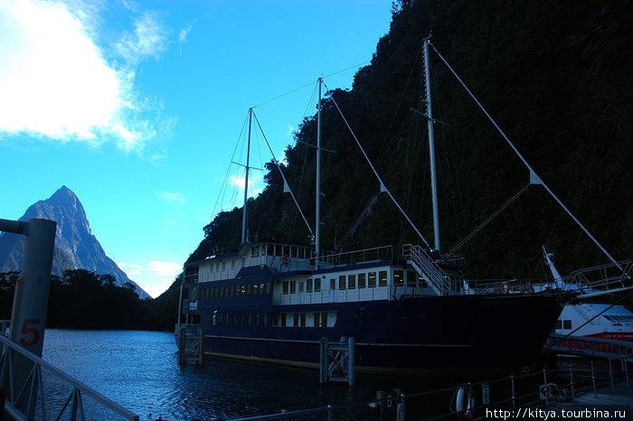 Корабль для круиза по Милфорд Саунду