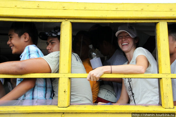 В самоанском автобусе — в тесноте, но не в обиде