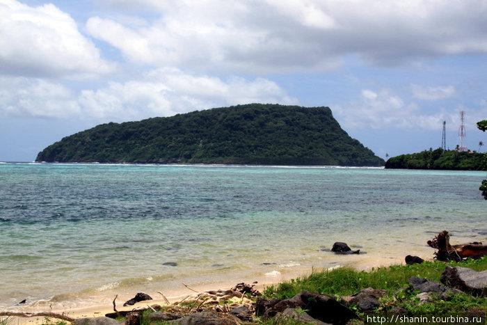 Берег океана на крайней юго-восточной точке острова Уполу