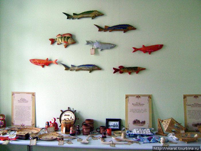 Быть в Рыбинске да не купить сувениры на рыбную тему — грешно!