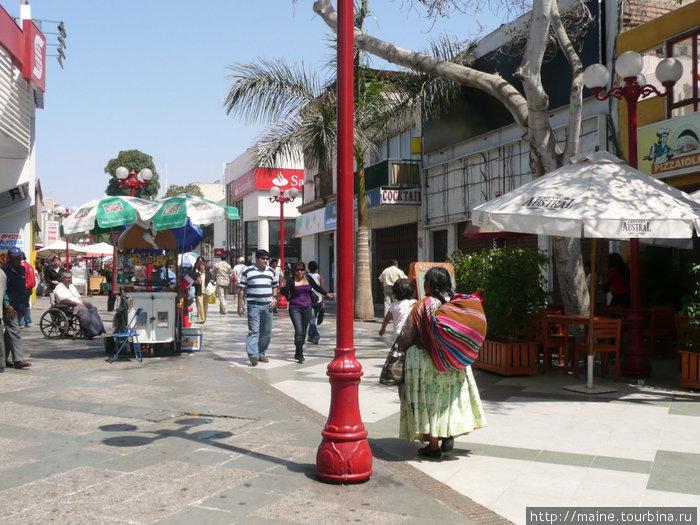 В центре Арики.Город ,который Чили отвоевала у Перу в войне 1879-83гг. как и Антофагасту у Боливии.