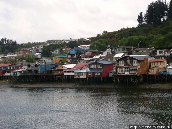 Кастро -столица острова Чилое ,самой северной части Патогонии.