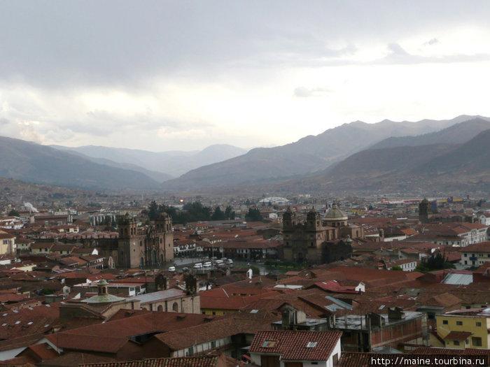 Куско,город который был нашей перевалочной базой на десять дней.Город праздника.