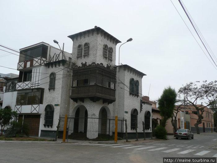 Лима,соседний район с Мирафлорес Барранко.