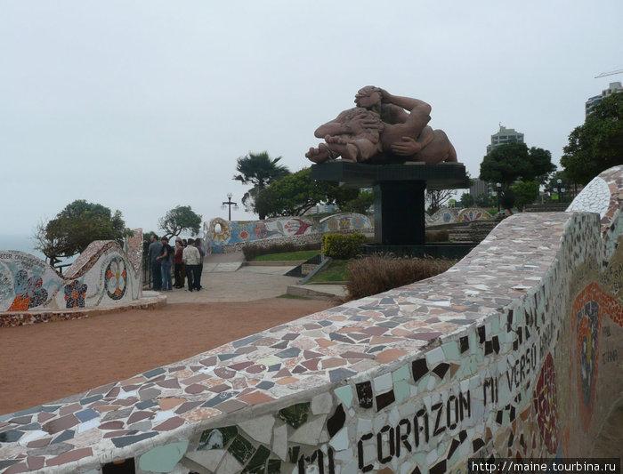 В парке на набережной Мирафлорес. Лима.