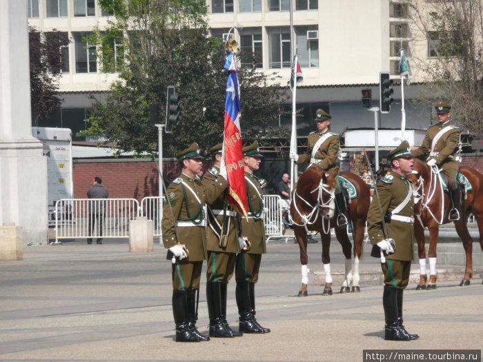 Развод караула и парад у Президентского дворца.