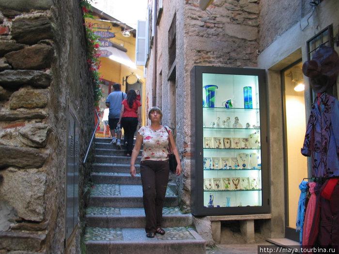 Таких улиц — лестниц там много
