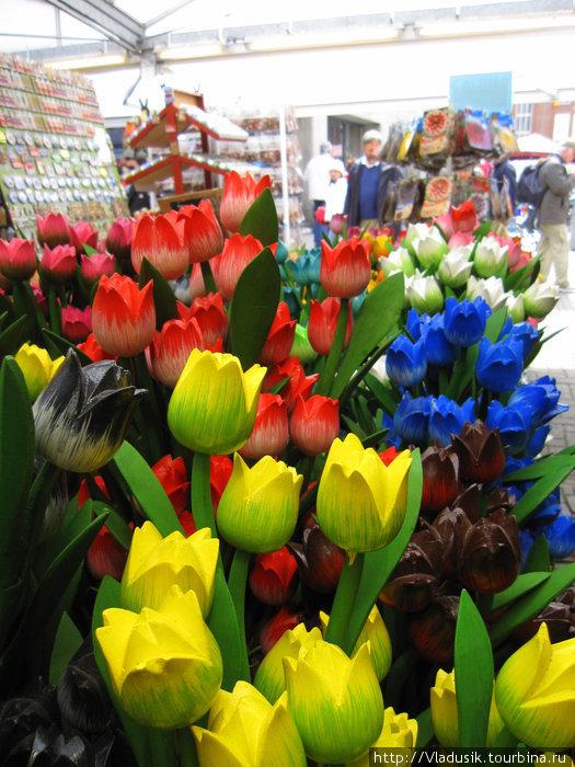 Деревянные тюльпаны как живые