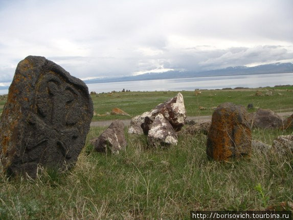древнее безымянное кладбище