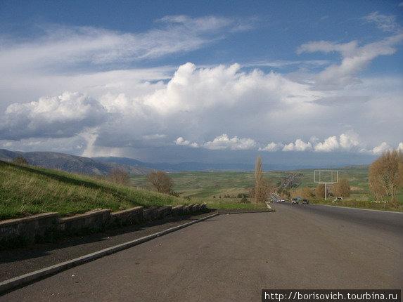 Вид на Ереванскую долину