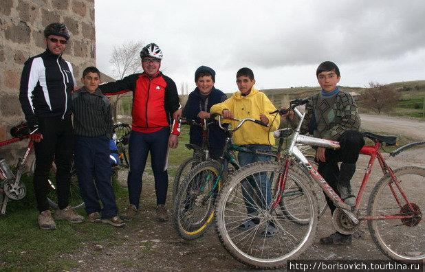 такая редкая встреча с армянскими велосипедистами