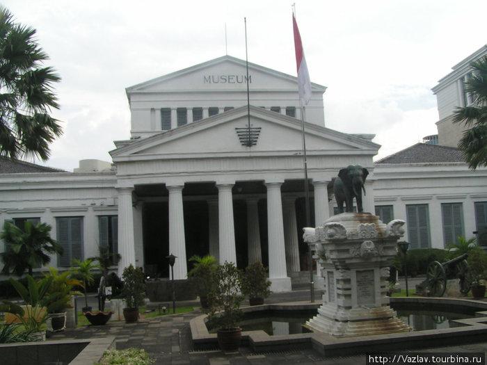 Вход в Национальный музей