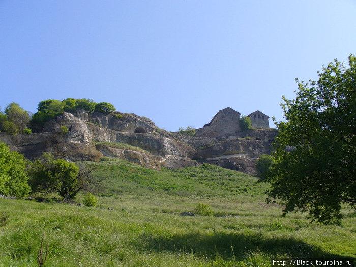Подходы к пещерному городу Чуфут-Кале