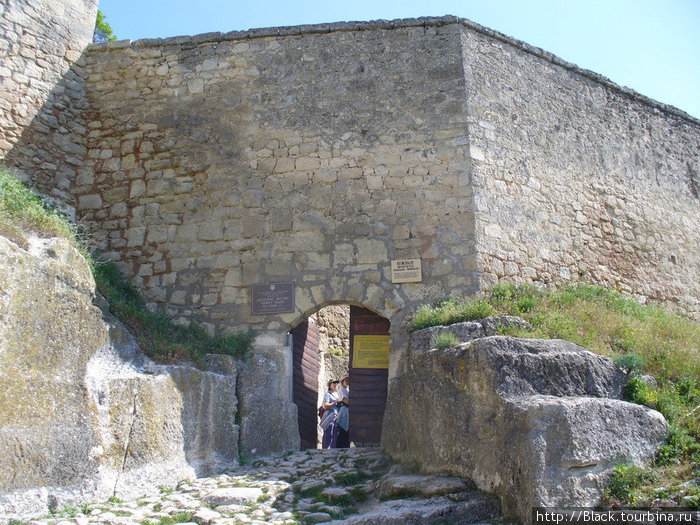 Южные (малые) ворота (ворота Кучук-Капу)