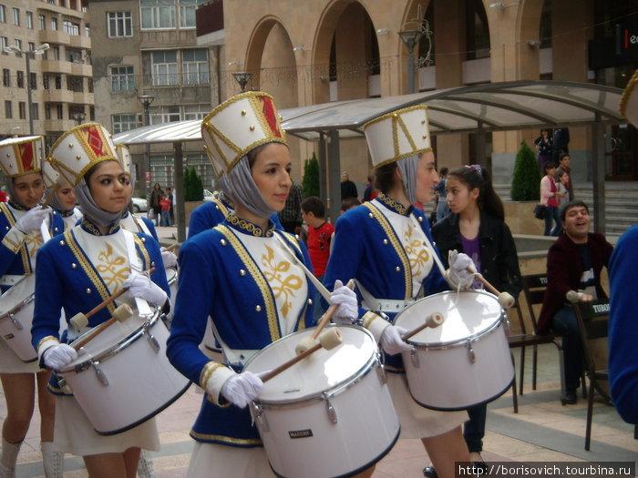 парад барабанщиц