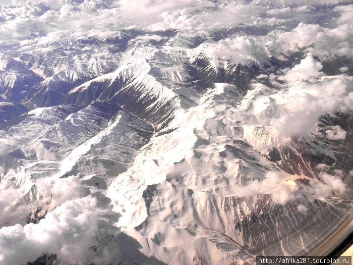 Памир из окна самолета