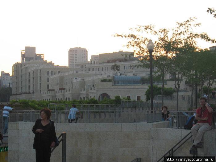 Мамила. Вид из старого города