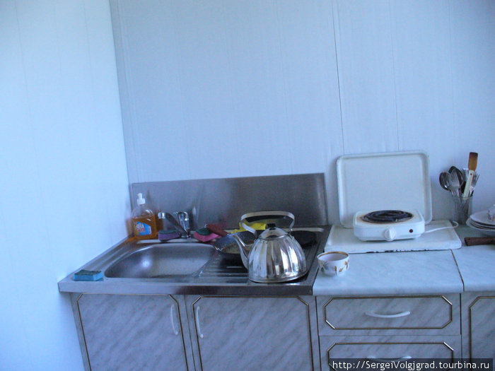 Июль Гагры 2009 г.  Квартира из Нутри . Кухня  .Телефон  хозяки в описании поездки .
