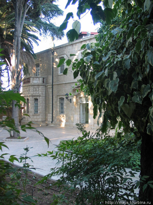 Здание принадлежит министерству образования